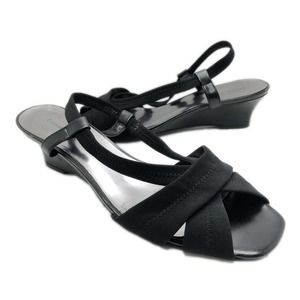 Etienne Aigner (10) Black Women's Strappy Sandals